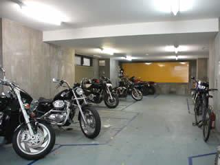 バイク駐車場 三軒茶屋/上馬